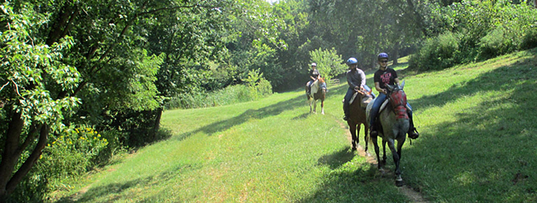 ride horses, fishing, farmstay, country getaway, Cincinnati, Kentucky