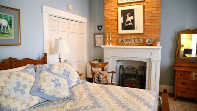kentucky bed breakfast, Cincinnati bed breakfast, farmstay, kentucky horse farm