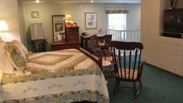 Cincinnati, Kentucky bed and breakfast, ride horses